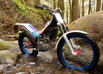 Honda-Montesa 4RT Racing 2011
