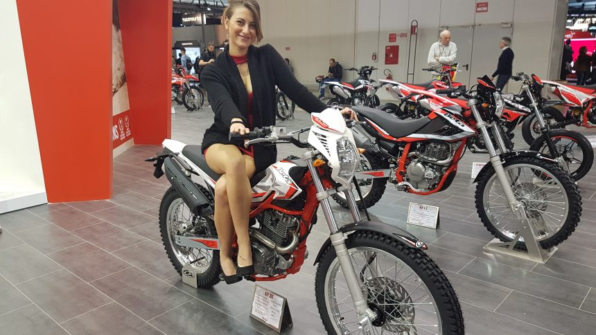 Les photos du salon de la moto de milan eicma 2017 for Salon de la moto lyon 2017